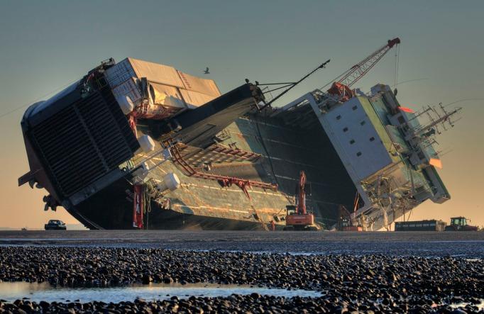 stranded-ship